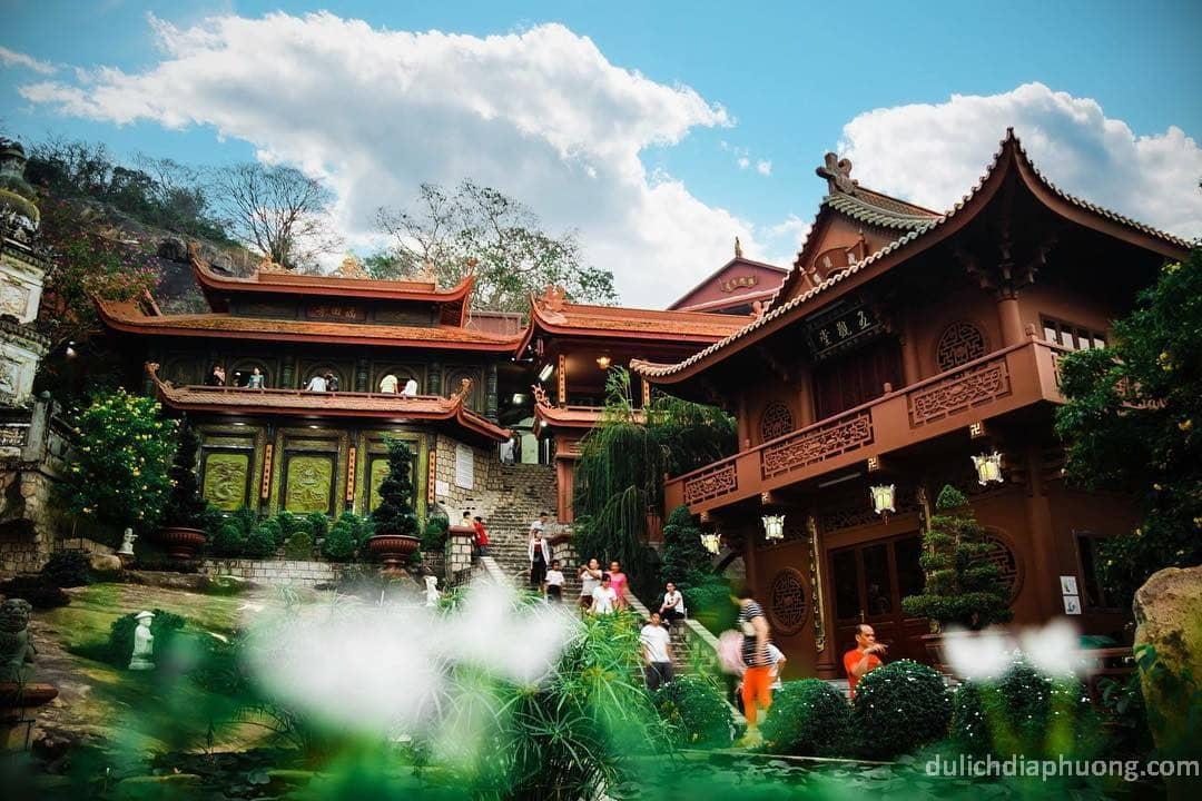 du lịch Chùa Hang